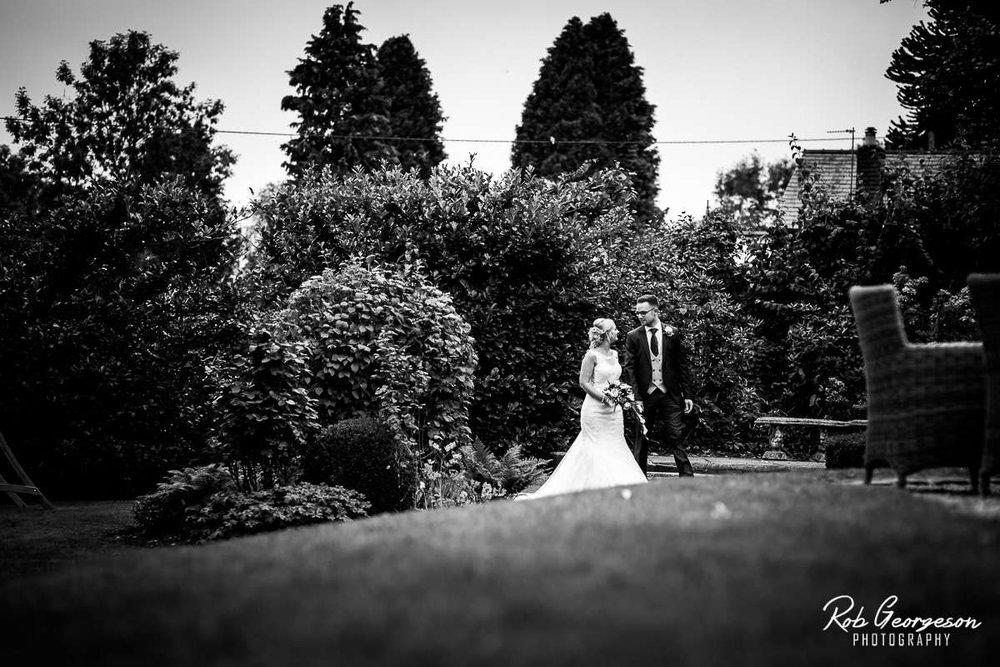 Shireburn_Arms_Wedding_Photographer_062.jpg