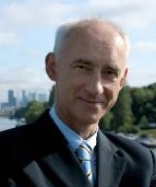 Olivier Rivière - Associate Partner   Over 25 years experience in international Marketing, Sales, Key Accounts and General Management. Track record designing and implementing Influencers-focused strategic programs. Deep knowledge of technology and high added value service businesses, experience with numerous industries.