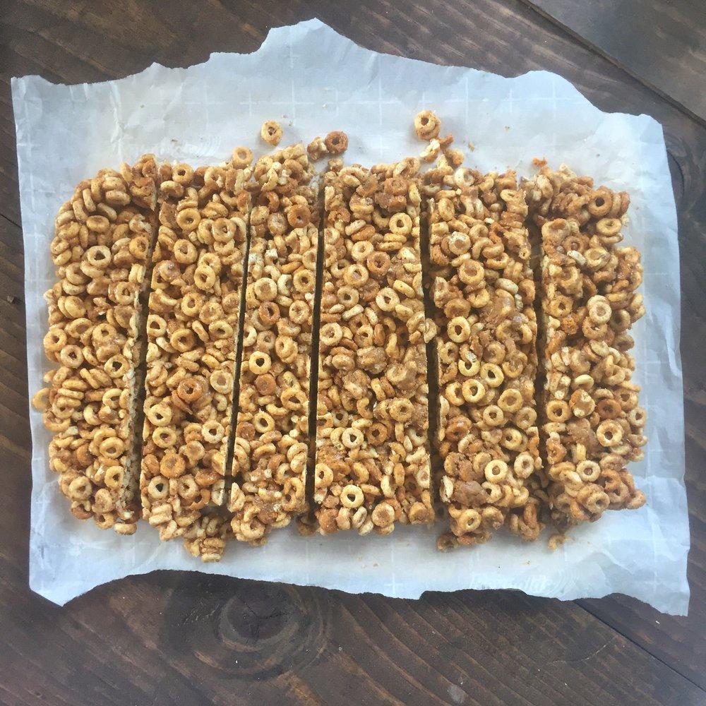 honey nut Cherrios cereal bar