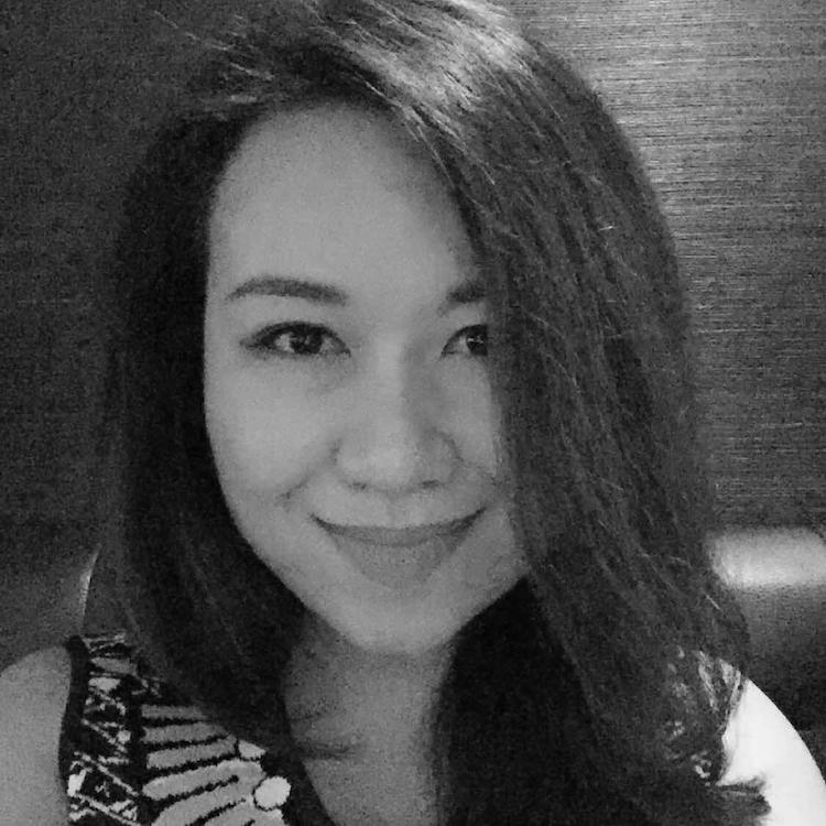 Mia Wang   心和身体,一定要有一个在路上。
