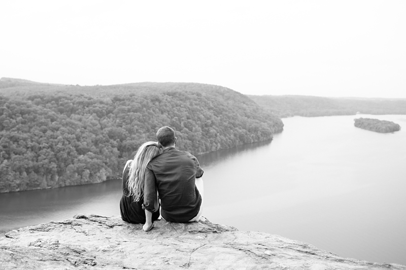 pinnacle_overlook_tuquan_glen_engagement_session_09
