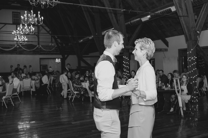 Lancaster_PA_Country_Barn_Wedding_53