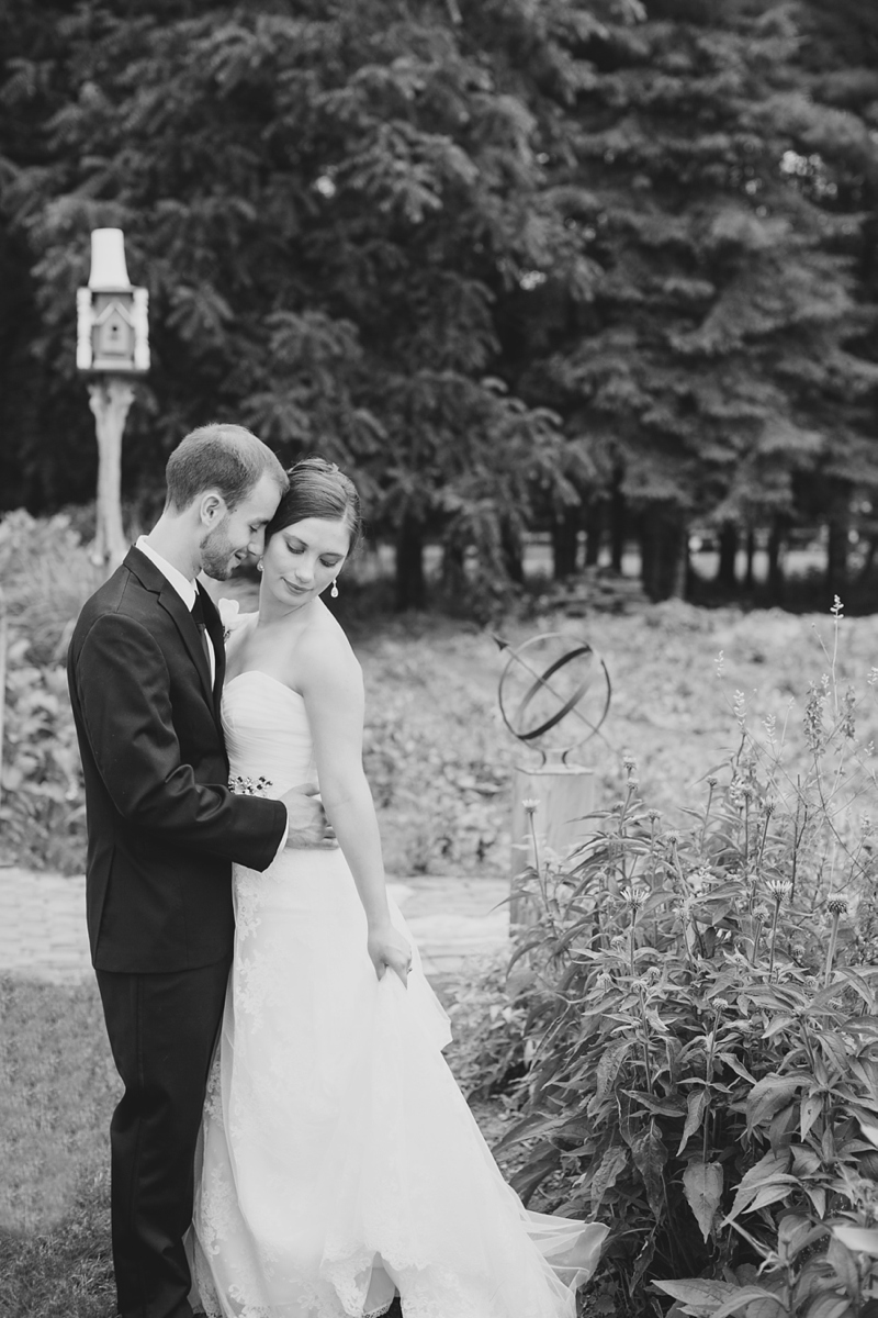 Lancaster_Backyard_Wedding_Photo23
