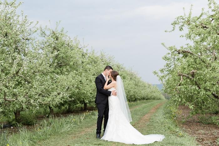 Outdoor_Spring_Apple_Orchard_Wedding_29.jpg