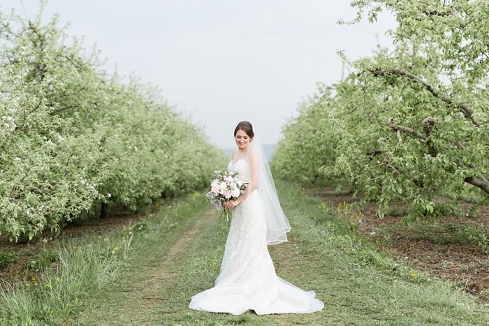 Outdoor_Spring_Apple_Orchard_Wedding_32.jpg