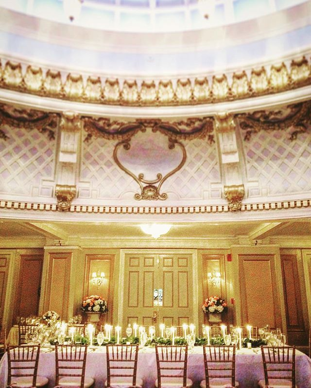 Déjà vu! Labor Day wedding bonanza take II. Stunning wedding. One of my favorite ballrooms in Boston! #wedding #cinematographer #weddingvideo #SilverPixStudios . . . . . . #weddings #weddingplanner #bostonwedding #citywedding #huffpostliving #huffpostweddings #bostonmagazine #liveauthentic #huffpostgram #gold #gliter #sparkle #ballroomwedding #dreamwedding #beautifulplace
