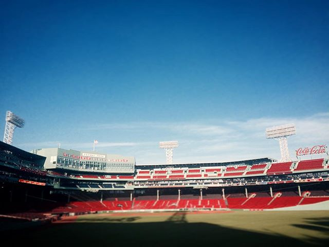 Hey batter, batter. An early work day at Fenway. I'll take it. . . . . . #fenway #greenmonster #photographer #cinematography #baseball #redsox #redsoxnation #office #officewithaview #livefolk #wanderlust #fromwhereistand #wbmason #homerun #marketing #officeantics #tradeshow #igersboston #ignewengland #pictoftheday #igboston #igmassachusetts #boston #bostonphotographer