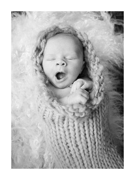 newborn047bw.jpg