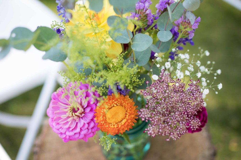 detail shots of ceremony bouquet