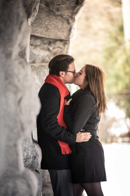 CDP Stone wall Kiss.jpg