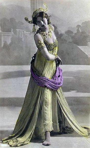 Mata Hari arkebuseras 1917.