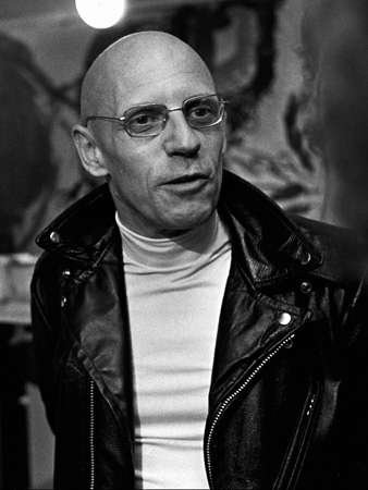 Michel Foucault föds 1926.