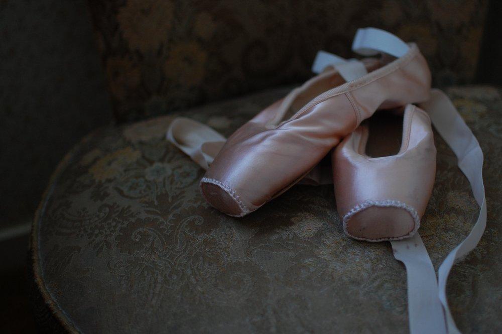 ballet-shoes-1260800.jpg