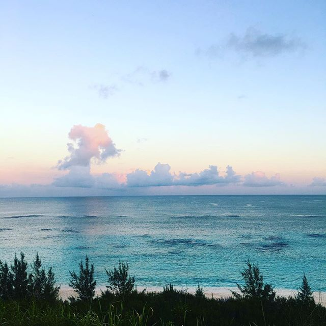 sooo about last night's sunset 😍#magichour #bermuda #bermudadreaming #ahhbermuda
