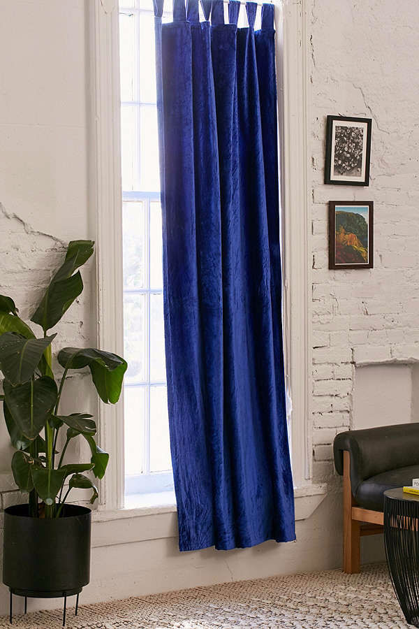 crushed-velvet-window-curtain-blue-8e4fc86650d84f0fd3f58dd14fecf219.png