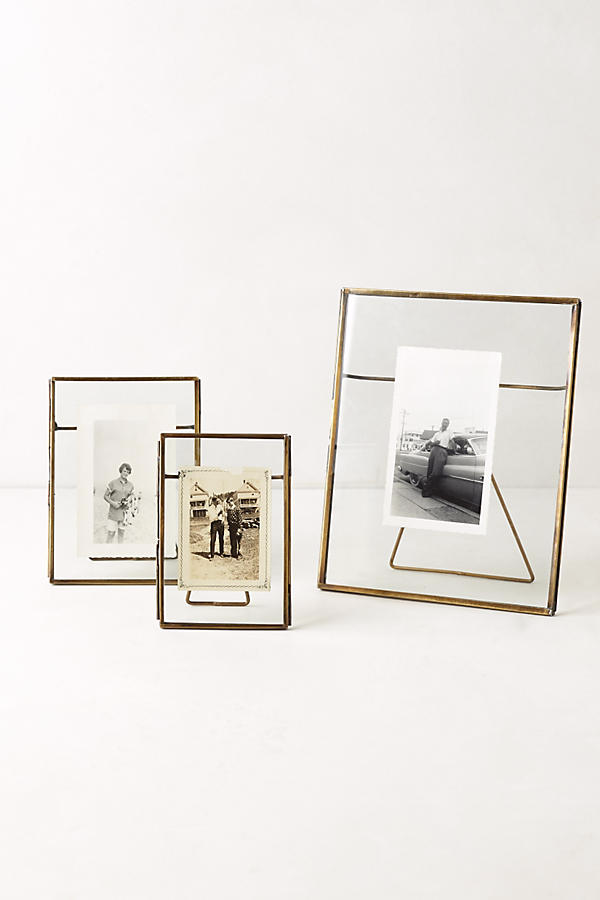 pressed-glass-photo-frame-small-7147c325e8cd1649bdc94569cb44620d.png