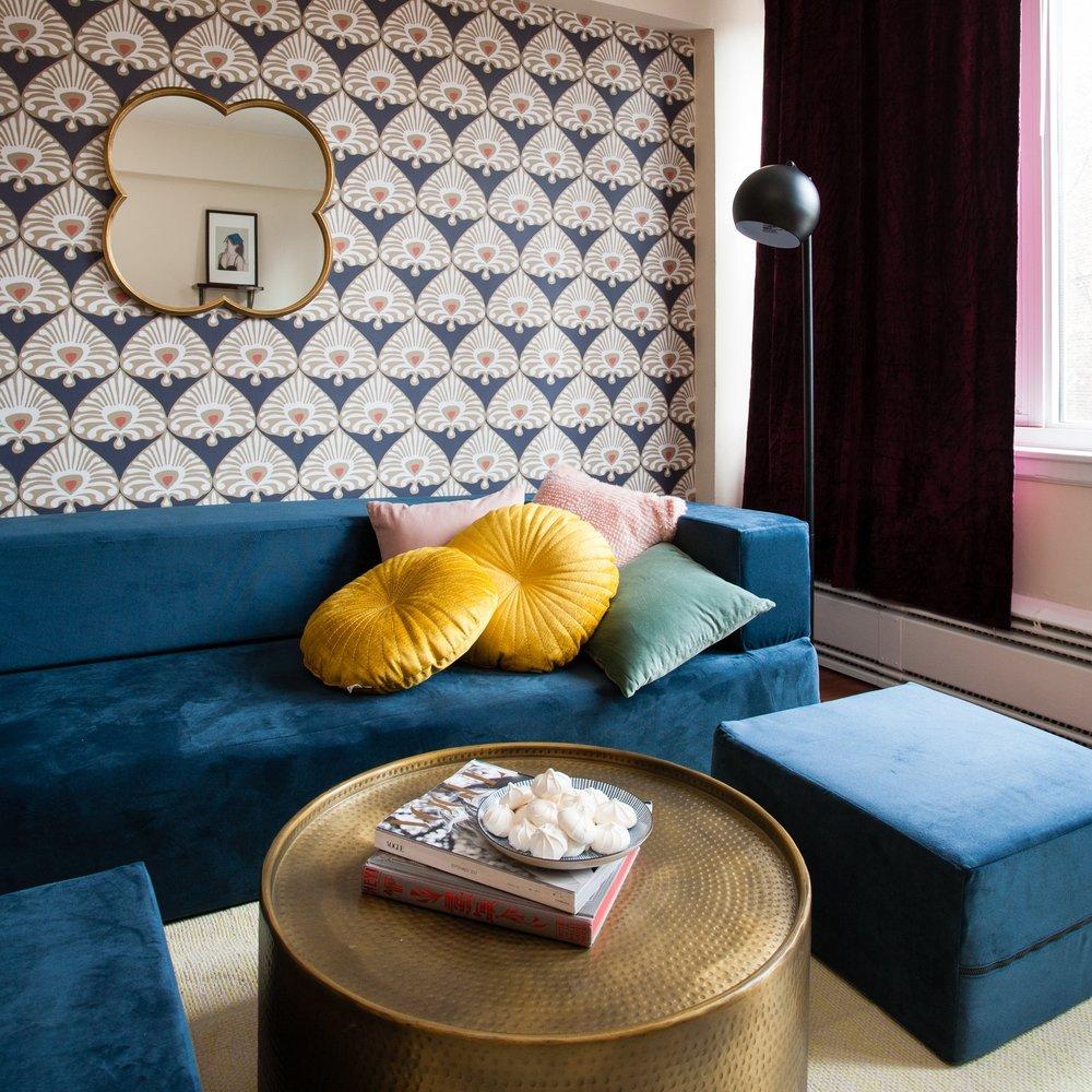 BLUE VELVET UNDERGROUND - Coziest couch award goes to...