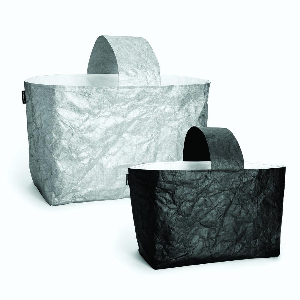 Couple d'idées   Une collection de sacs aux matières et au design hors du commun.