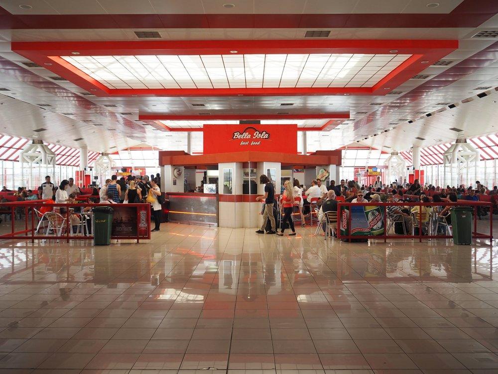 Havana airport food court