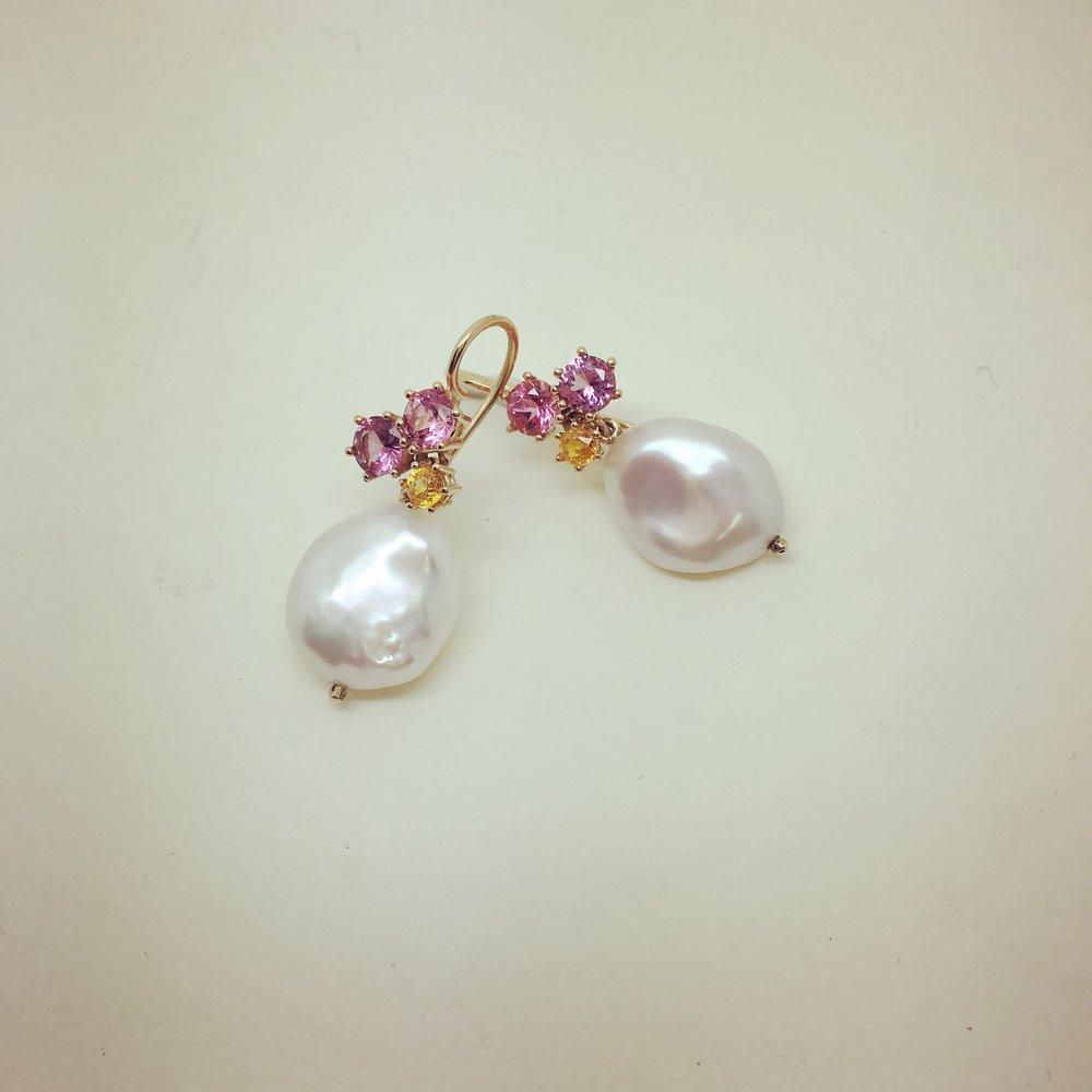 Ohrhänger mit Spinellen, Turmalinen und Perlen in 750/000 Rotgold