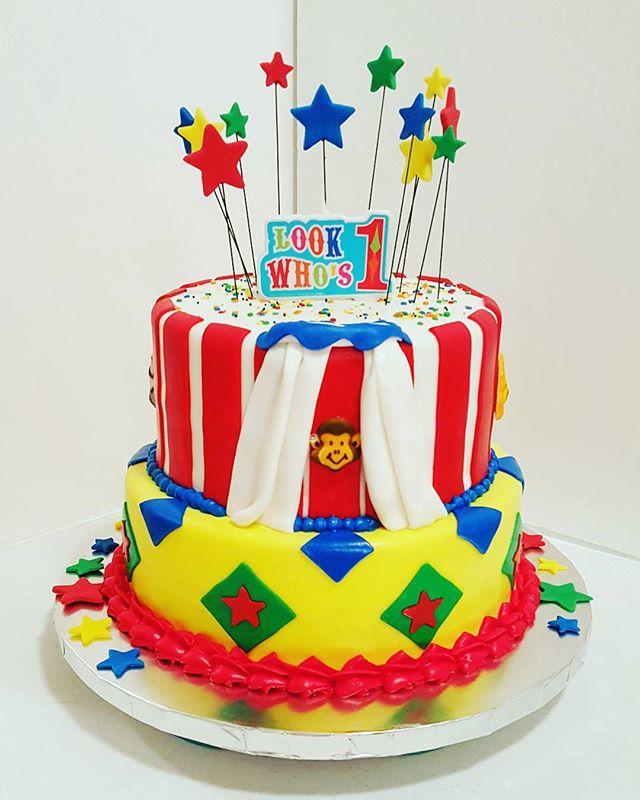 Circus-themed cake! #dessertfirstlady #dessertfirst #designercakes #circuscakes #circusbirthdayparty
