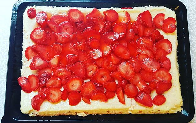 VERY Strawberry Cheesecake! #dessertfirstlady #dessertfirst #cheesecakelovers