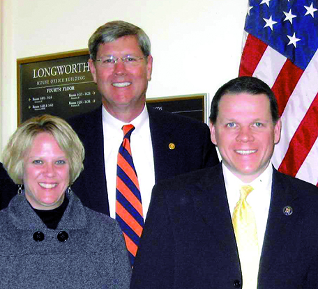 Tom Lovell 02 w Congressman Sam Graves 2009.jpg