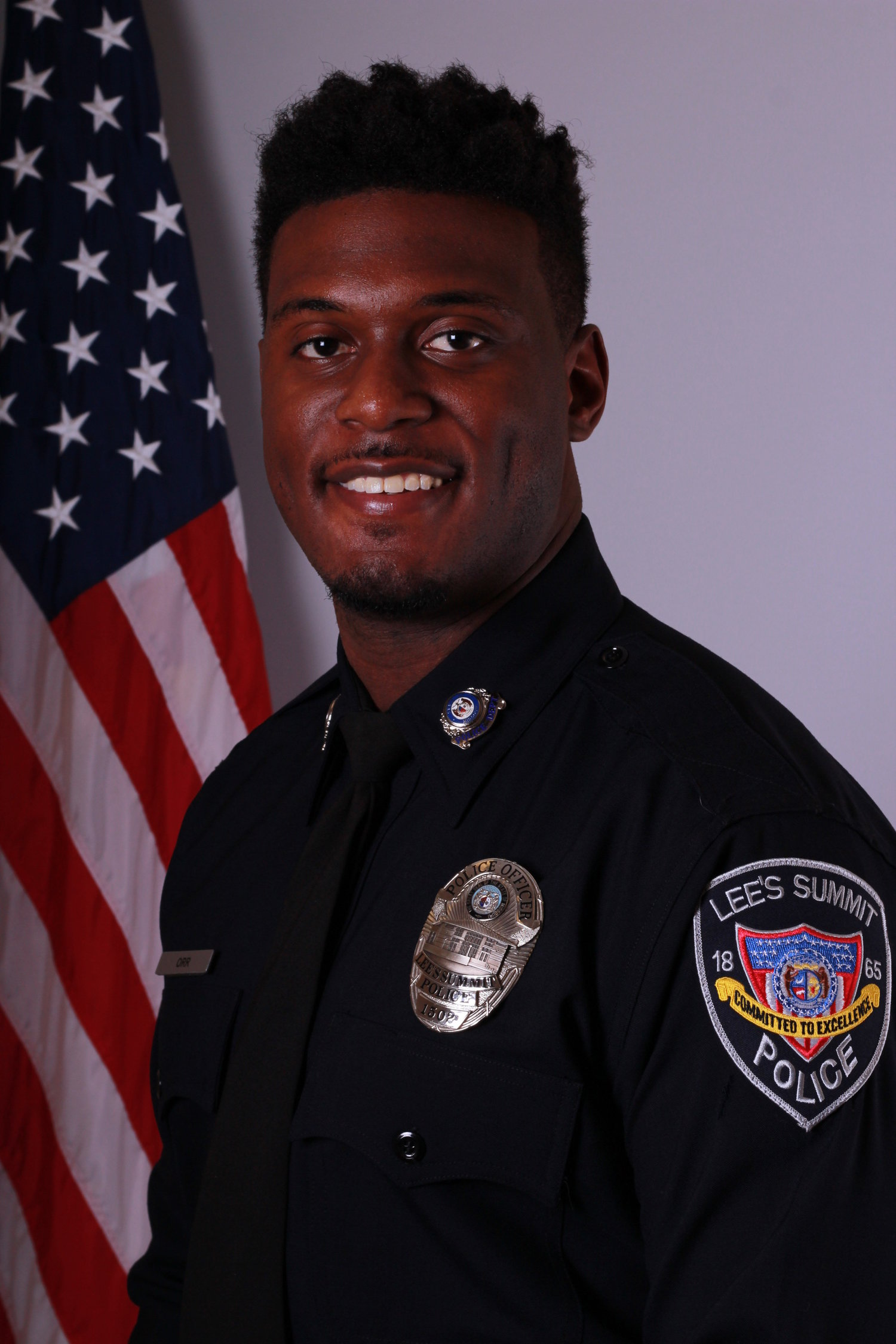 LSPD officer shot and killed in overnight incident in Kansas