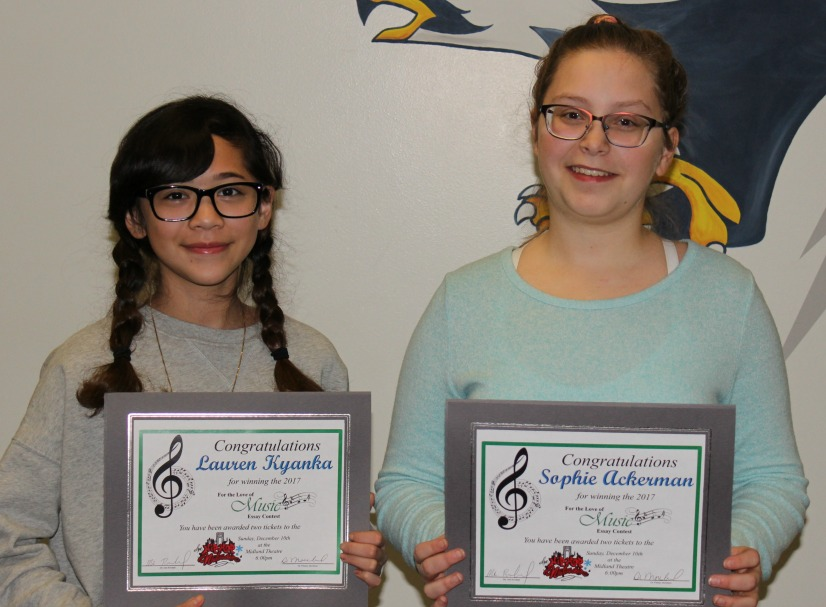 Lauren Kyanka (left) and Sophie Ackerman won the SLMS essay contest. (photo courtesy LS R-7 Schools)