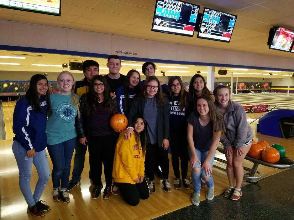 Students from Chile participated in bowling while visiting Lee's Summit