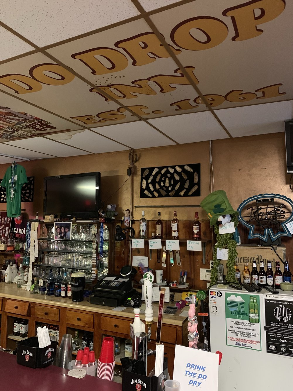 "Downtown Lee's Summit's self-proclaimed and unapologetic ""dive bar,"" the Do Drop Inn, will close its doors this weekend. (photo courtesy John Beaudoin)"