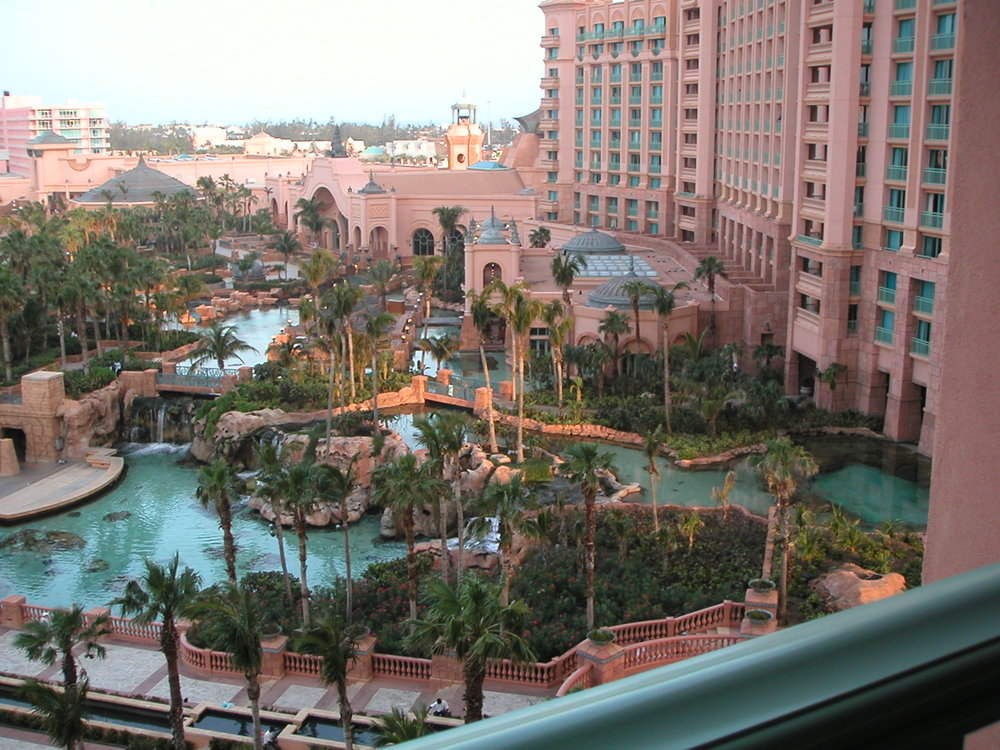View_of_Aquarium_and_Pools_from_Royal_Tower_Rooms_Atlantis_1.jpg