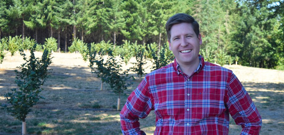 In Oregon's 5th district, there is a clear choice between a career politician (Kurt Schrader) who has been in Congress for four terms, and a young man (Colm Willis) who brings a fresh perspective and fresh energy to Congress.