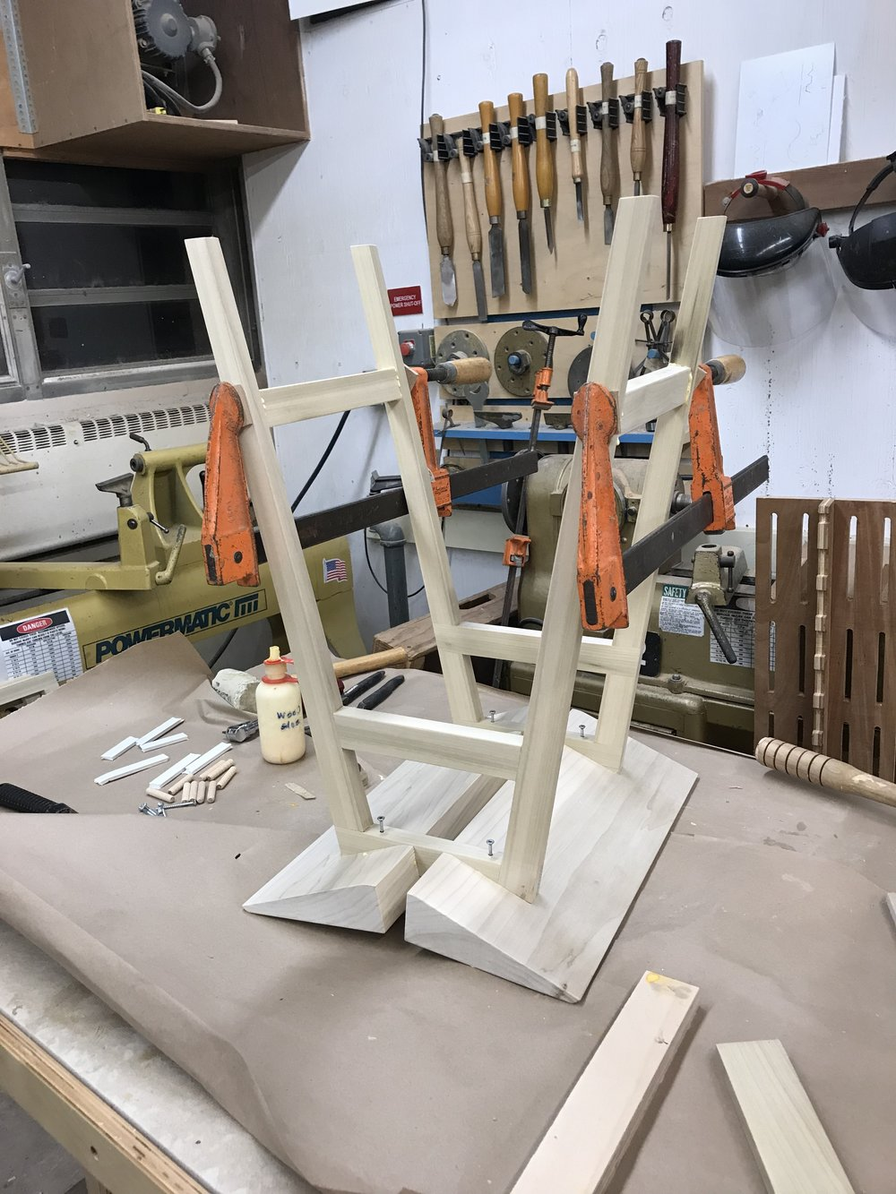 Glueing the kickers and setting the screws