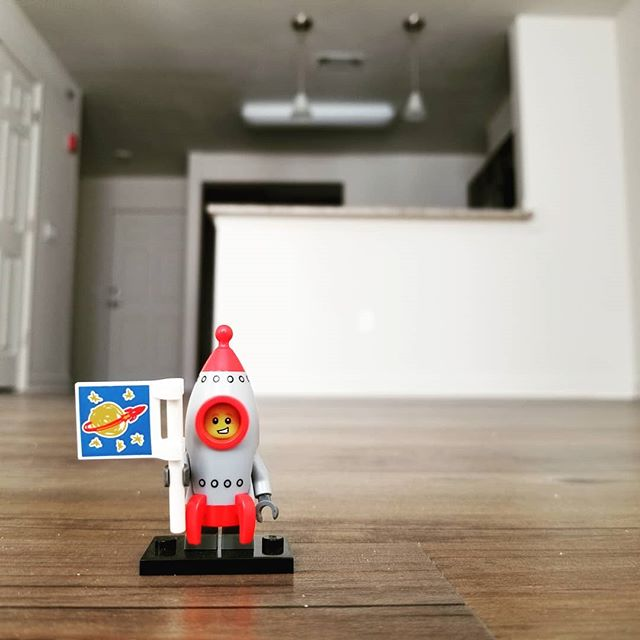 My own little chunk of the universe 🚀 . . . #legophotography #legominifigures #afol #legos #legostagram #lego #legogram #legomania #apartmentliving #apartmentdecor #homedecor #interior #apartmentlife #apartment #home