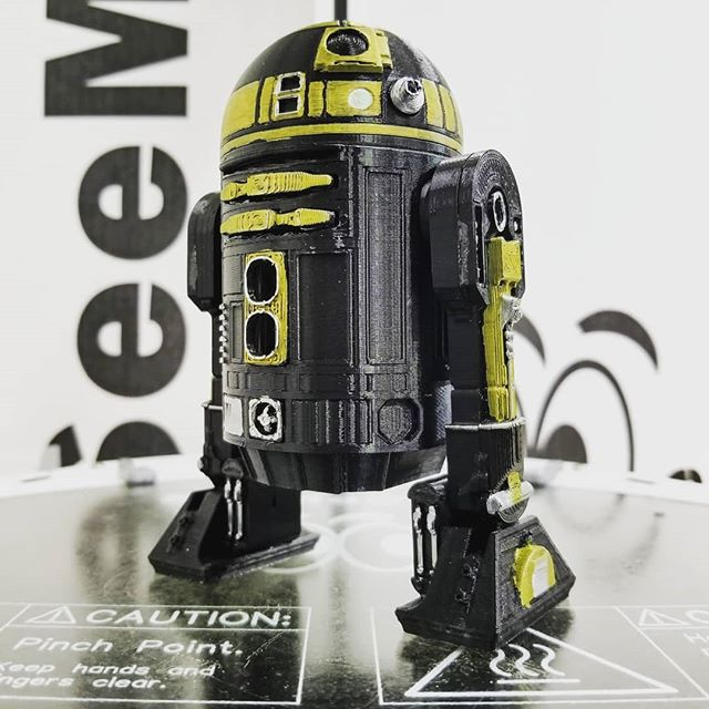 May the 4th be with you! . . . Printed at 25% scale in Extreme Jet Black PLA by @therealatomicfilament on the @SeeMeCNC Orion, sliced in #Cura by @ultimaker, model by USWaterRockets on @thingiverse . . . #3dprinting #seemecnc #seemecncorion #seemecncfilament #3dprinter #maker #3dprinted #3dprint #atomicfilament #pla #starwarsfigures #starwarsfan #starwarsday #starwarsnerd #starwars #starwarsgeek #starwarstoys #starwarslove