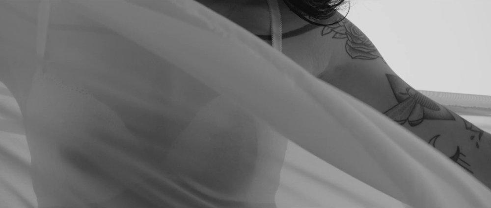Tiësto & DallasK - Your Love-HD (1).00_00_13_04.Still001.jpg