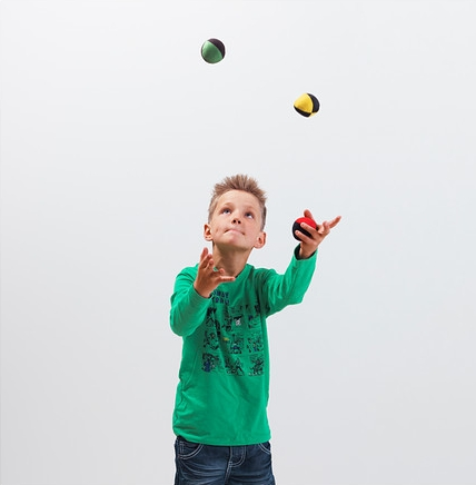 Kids-juggling-toy.jpg