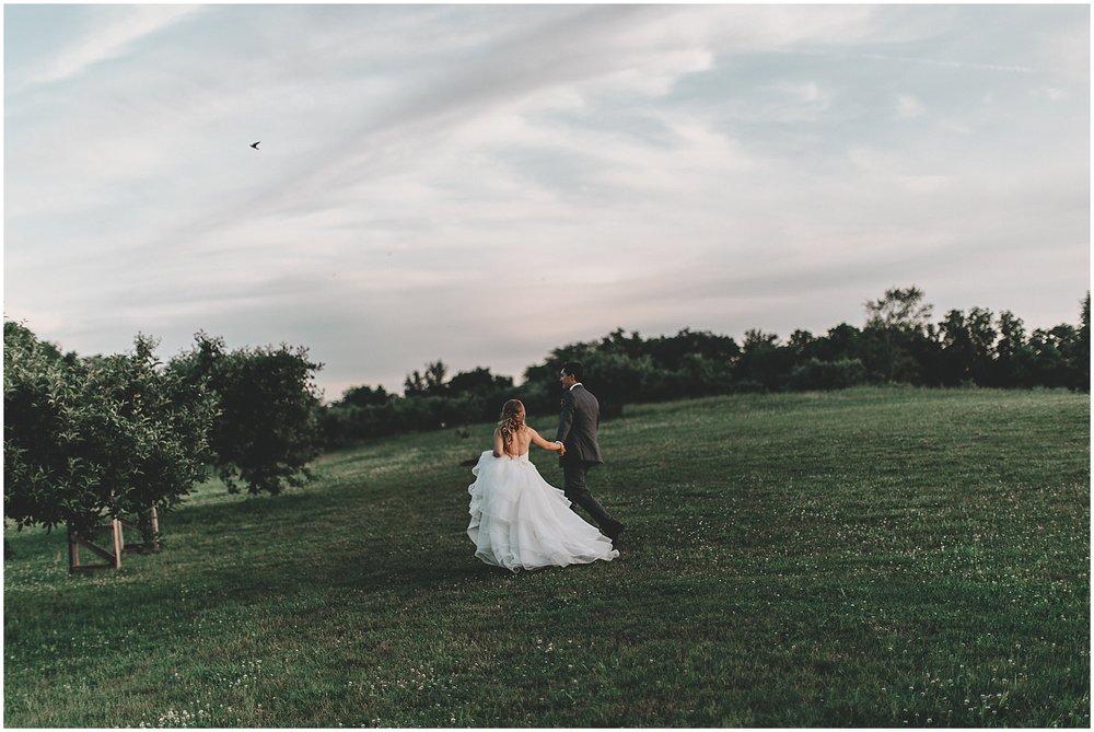 whimsical-orchard-kansas-city-wedding