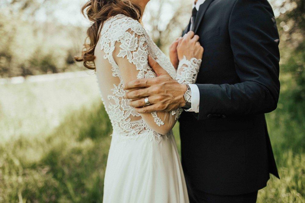 Bohemian-Chic-Jewel-Toned-Backyard-Wedding-44.jpg