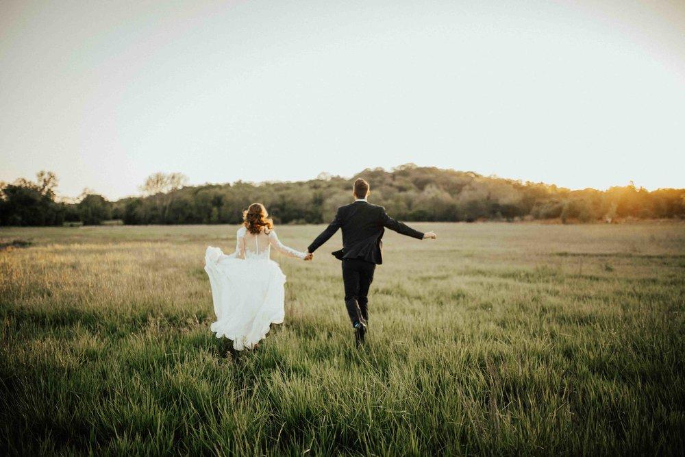 Bohemian-Chic-Jewel-Toned-Backyard-Wedding-108.jpg