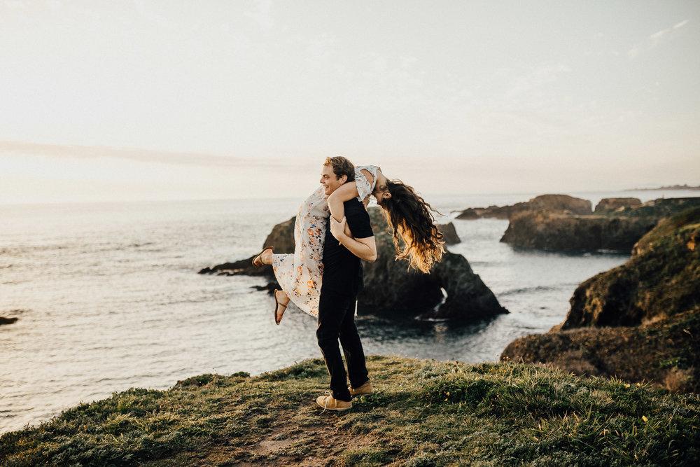 Mendocino-California-Coast-Adventure-Couple-Session-31.jpg