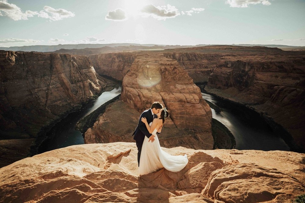 destination-elopement-photographer-horseshoe-bend-page-arizona