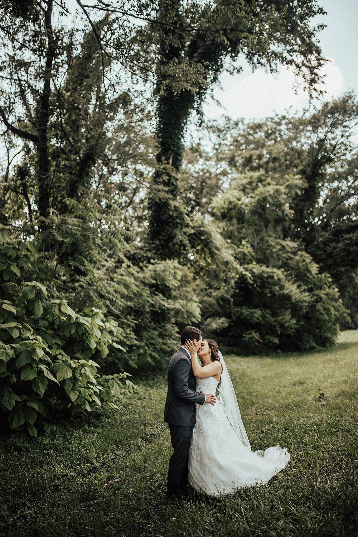 oahu-hawaii-adventure-destination-wedding-photographer_0032.jpg