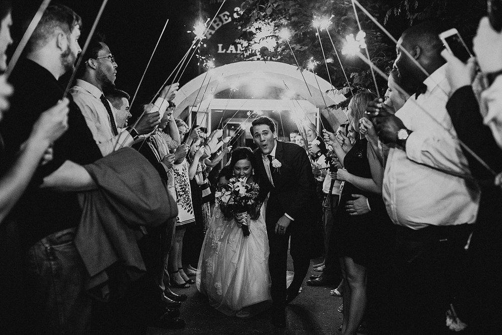 oahu-hawaii-adventure-destination-wedding-photographer_0036.jpg