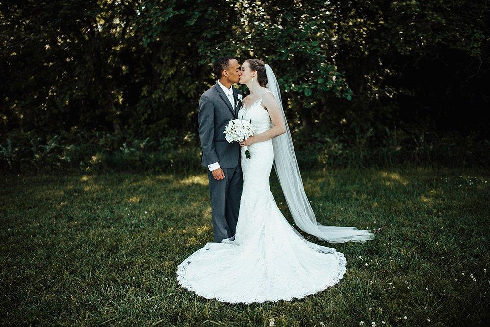oahu-hawaii-destination-wedding-photographer-102.jpg