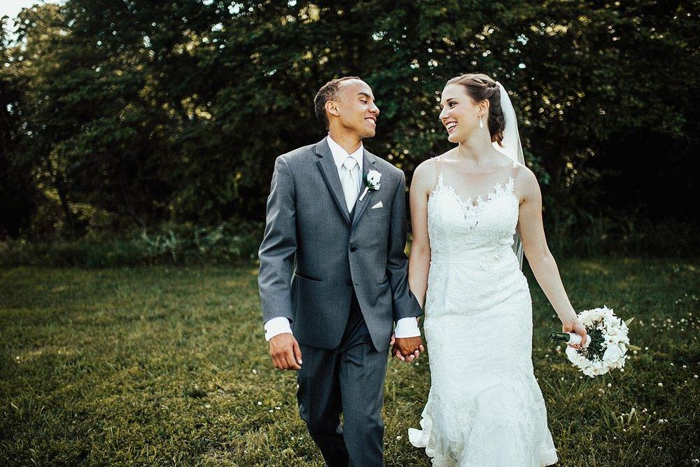 oahu-hawaii-destination-wedding-photographer-105.jpg