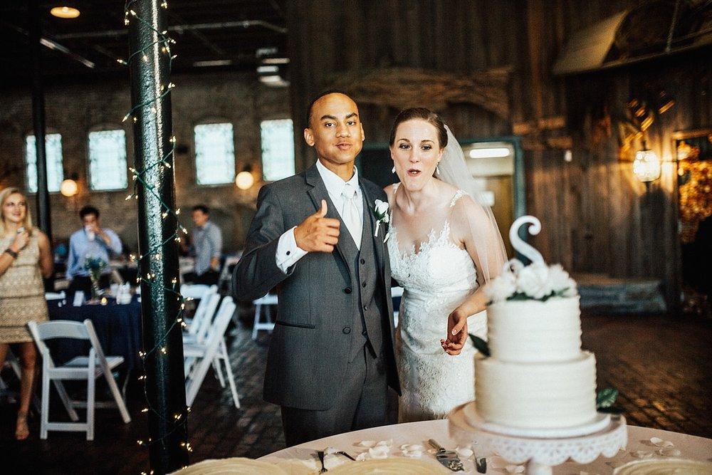oahu-hawaii-destination-wedding-photographer-139.jpg