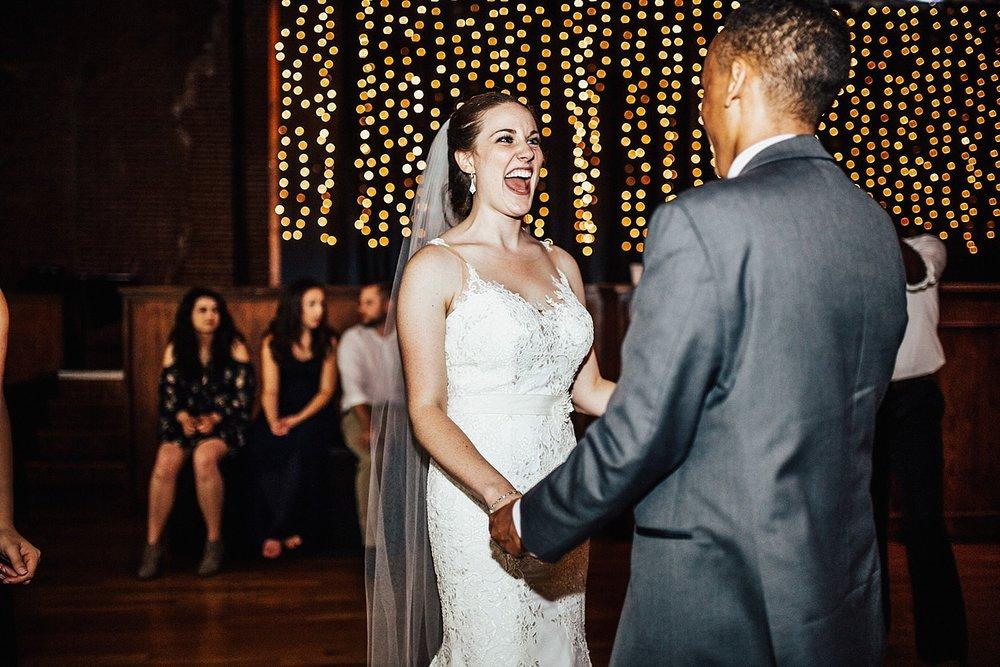 oahu-hawaii-destination-wedding-photographer-162.jpg