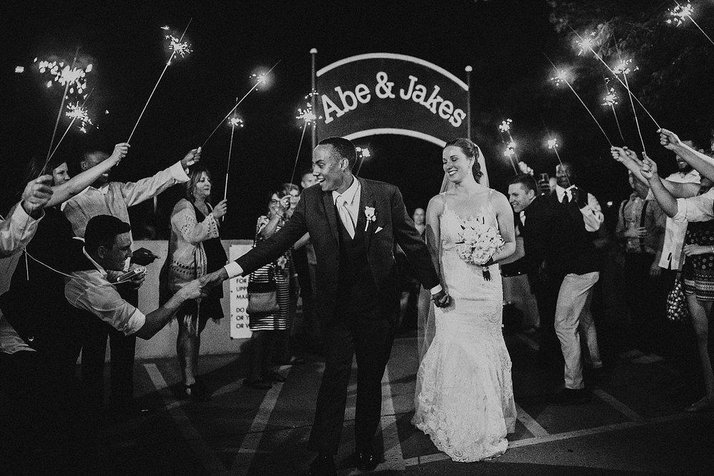 oahu-hawaii-destination-wedding-photographer-173.jpg